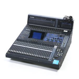 Console numérique 24 entrées - 8 sorties 02R