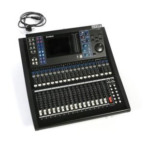 Console numérique 16 entrées - 8 sorties LS9