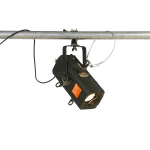 Projecteur découpe ADB DW54 650 W 30-47°
